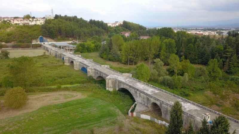 Ayasofya Camii ile eşdeğer sayılan Justinianus Köprüsü bin beş yıldır ayakta duruyor
