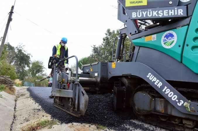 Başkan Yüce Karasu'daki asfalt çalışmalarını inceledi