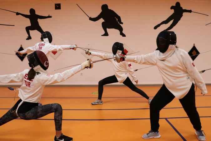 Sakarya'da eskrimde uluslararası başarılara imza atacak sporcular yetiştirilecek