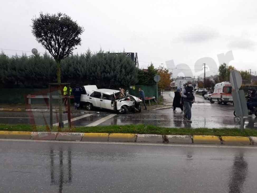 Yağmur yağıyordu yolda kaydı kamyonete arkadan çarptı!