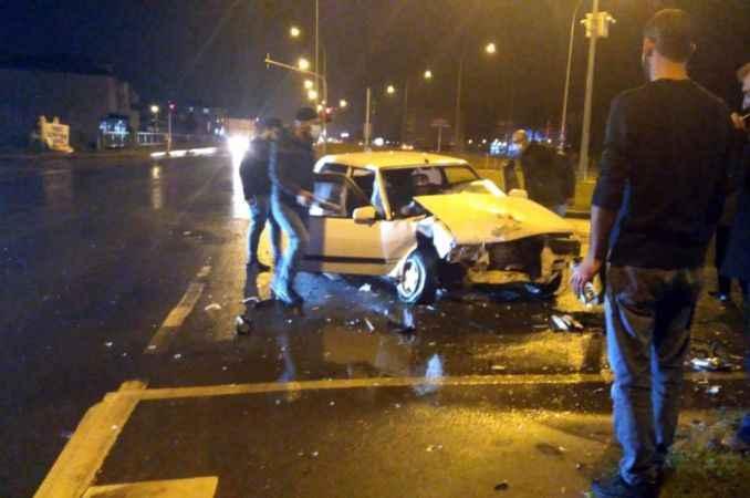 Işık ihlalinin neden olduğu iddia edilen kazada bir kişi yaralandı
