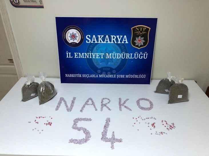 Uyuşturucu tacirlerine geçit yok: 15 tutuklama