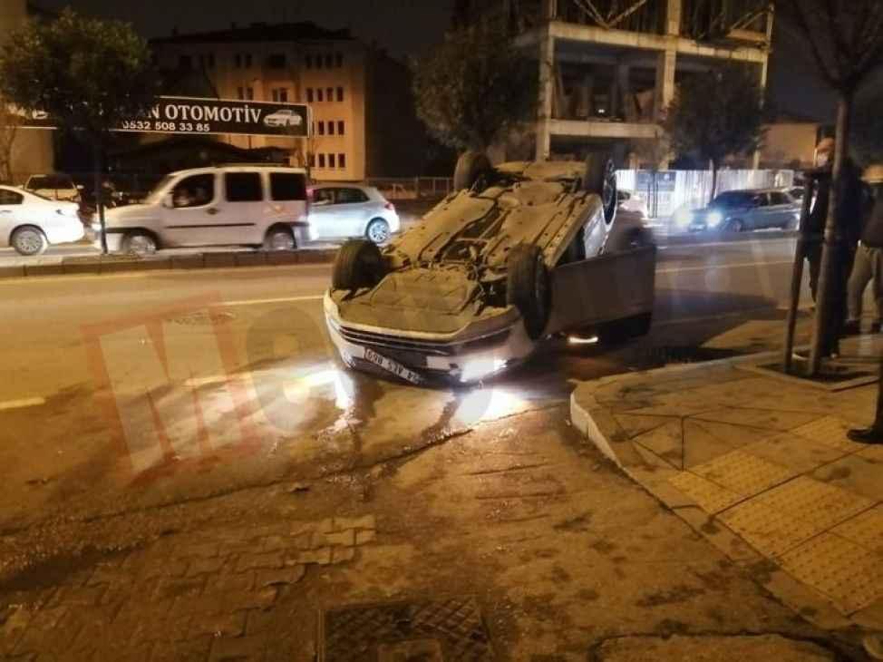 Şehir merkezinde görülmemiş kaza... Cadde savaş alanına döndü!