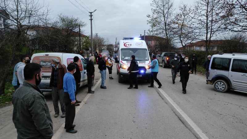 Ferizli'de paket servisi yapan kamyonetin çarptığı kişi ağır yaralandı