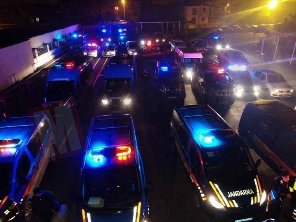 Akyazı'da suç örgütüne şafak operasyonu:11 gözaltı!