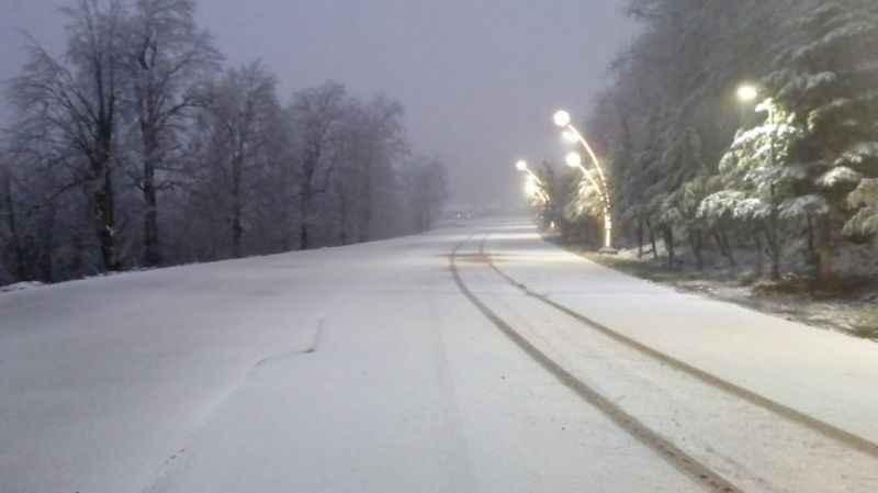 Kartepe'ye mevsimin ilk karı yağdı