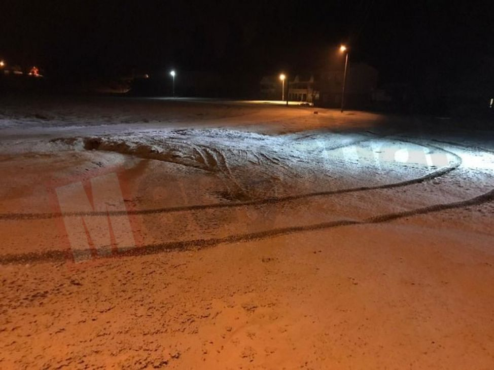 Akyazı'nın yüksek kesimlerinde kar sürprizi