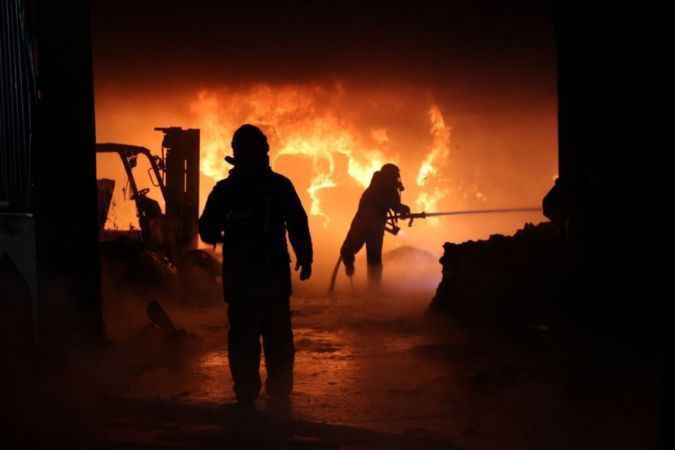 Kocaeli'deki fabrika yangını 4 saatte söndürüldü