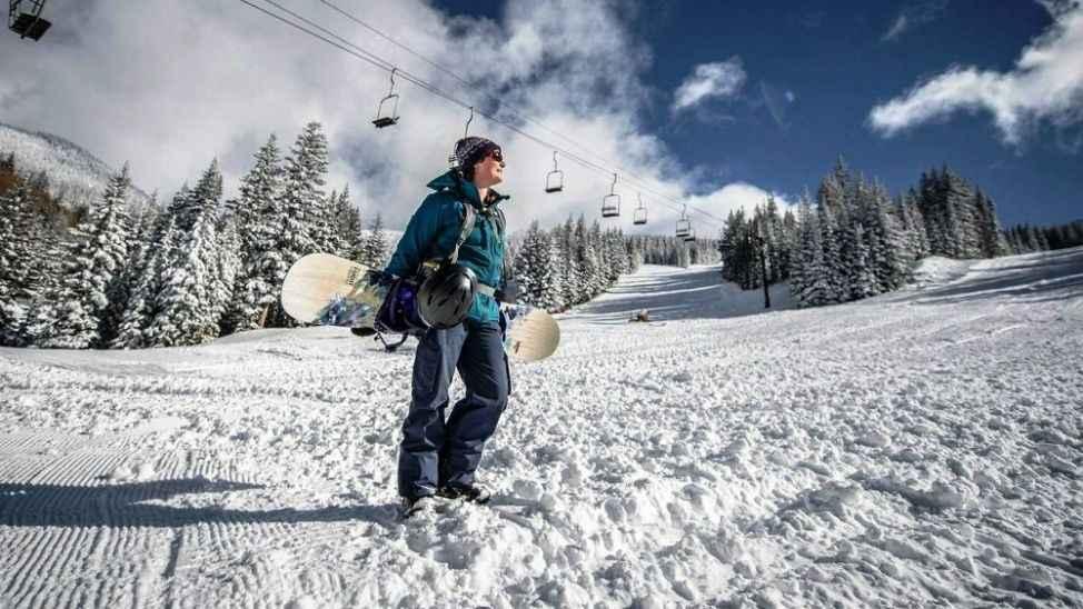 Kartepe'de kar kalınlığı 20 santimetreye ulaştı