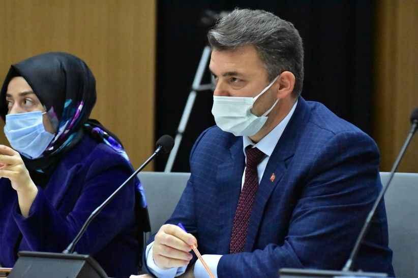 Karasu Belediye Başkanı Sarı yine üstü kapalı konuştu. 'Beni konuşturmayın'