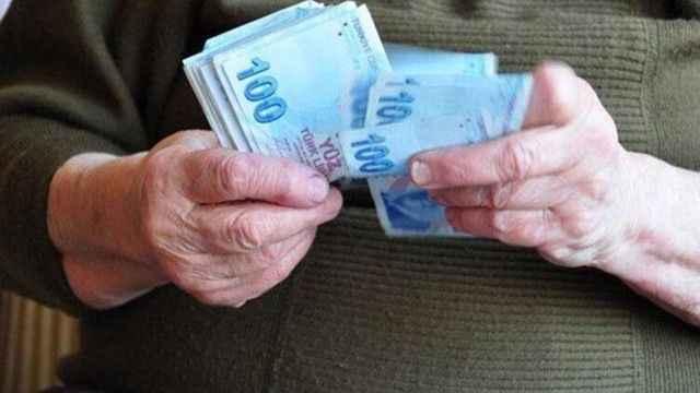 Emeklilerin maaş ödemeleri öne çekildi