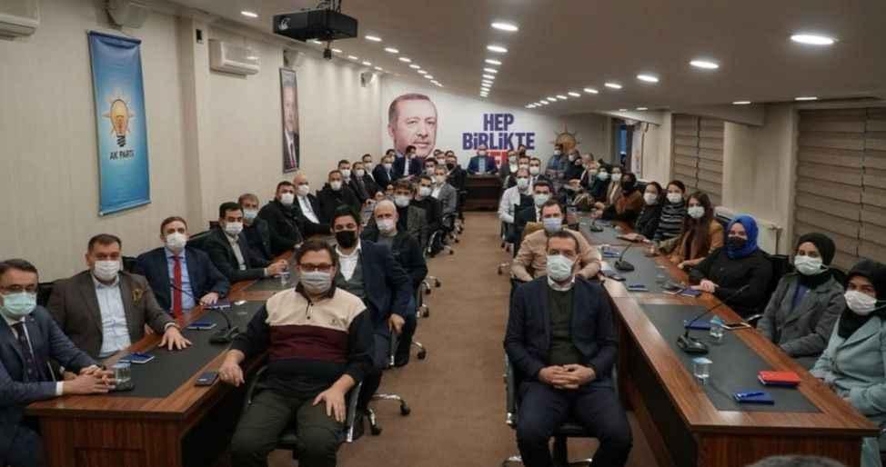 Ak Parti il yönetimi görev bölümü yaptı..