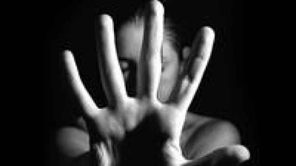 Kızına istismar eden nikahlı kocasını gizli kamera ile yakaladı
