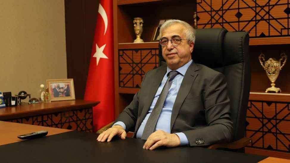 Sakaryalı profesör Kırklareli Üniversitesi rektörlüğüne yeniden atandı