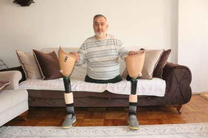 """Kocaeli'de """"evsiz yaşanır, ayaksız yaşanır ama devletsiz yaşanmaz"""" 10 bin doları elinin tersiyle itti"""
