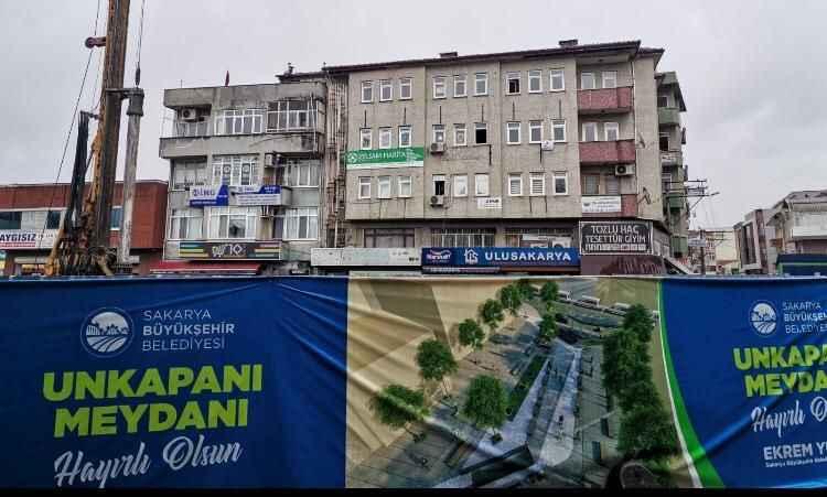 Tozlu Camii esnafına bir dokun bin ah işit!