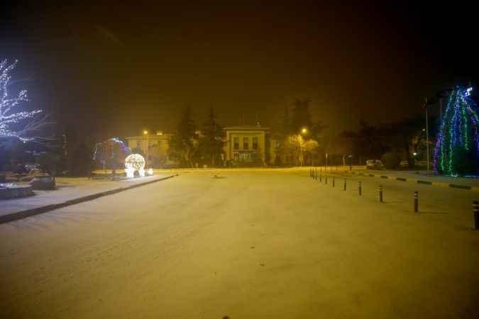 Kırklareli'nde kar yağışı etkisini sürdürüyor