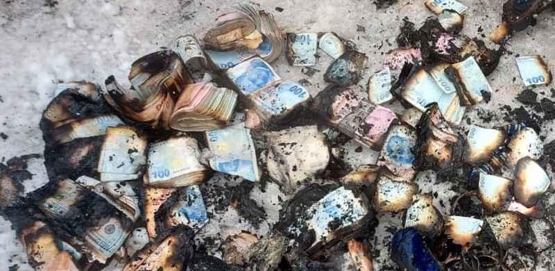 Kocaeli'nde yangın çıkan prefabrik evde para ve altınlar zarar gördü
