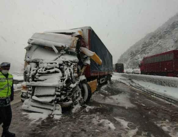 Kazanın kapattığı D-650 karayolu 2 saat sonra trafiğe açıldı