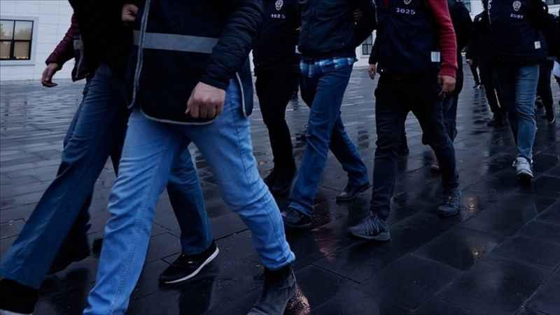 İstanbul'da FETÖ'den aranan şüphelilere operasyon: 30 gözaltı