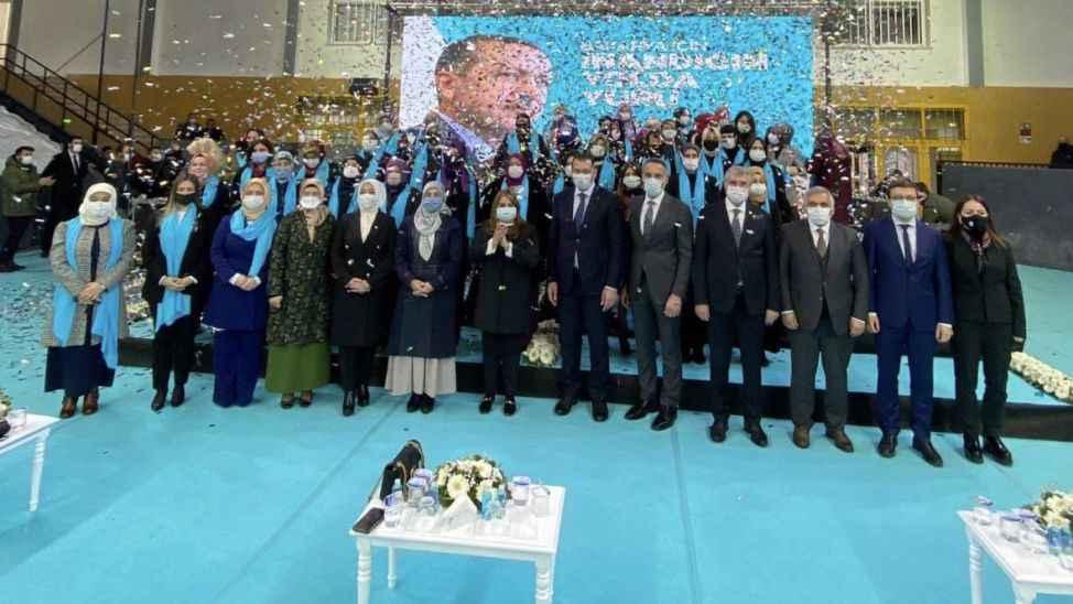 """""""Kadınlar AK Parti davasının öncüleridir"""""""