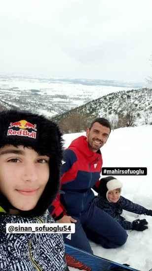 """Sofuoğlu snowboard yaptı ve paylaştı """"Burası Sakarya'da bir tepe"""""""