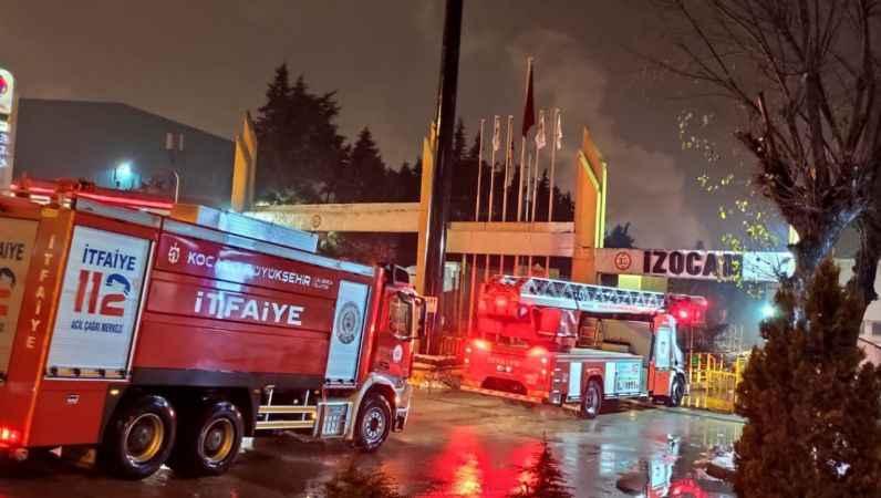 Kocaeli'de fabrikada çıkan yangın söndürüldü