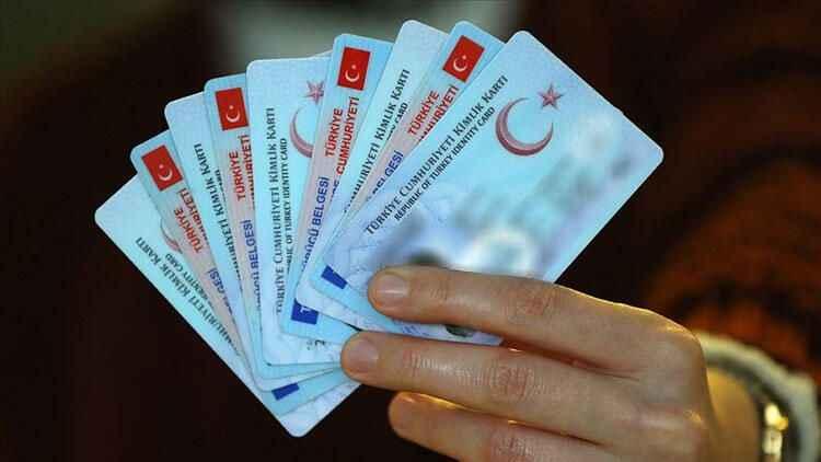 Sürücü belgesi bilgileri kimlik kartına aktarılan kişi sayısı 1 milyonu geçti