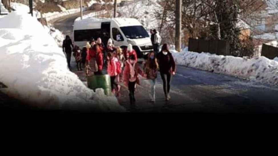 Okulun ilk gününde yolda kaldılar