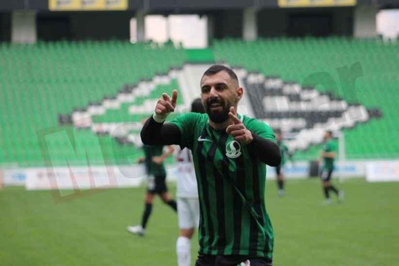 Sakaryaspor'da Ali Özgün'e ilk 11 yolu gözüktü
