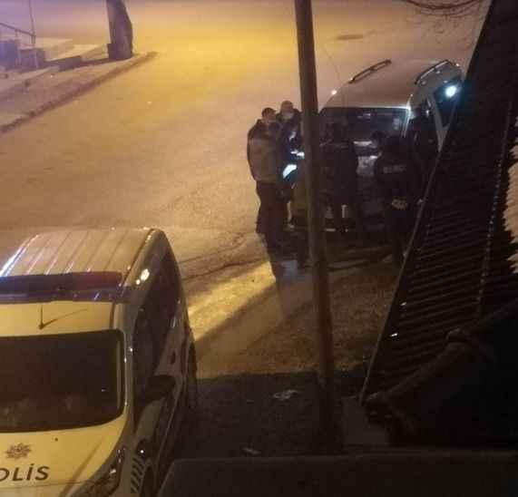 Akyazı'da polisten misafir baskını