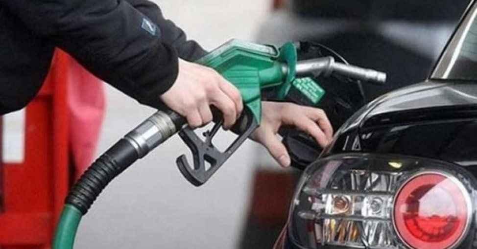 Benzin bu gece 27 kuruş zam yapılacak ancak pompaya yansımayacak