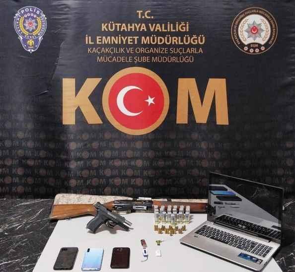Resmi Belgede Sahtecilik operasyonu:9 kişi gözaltına alındı!
