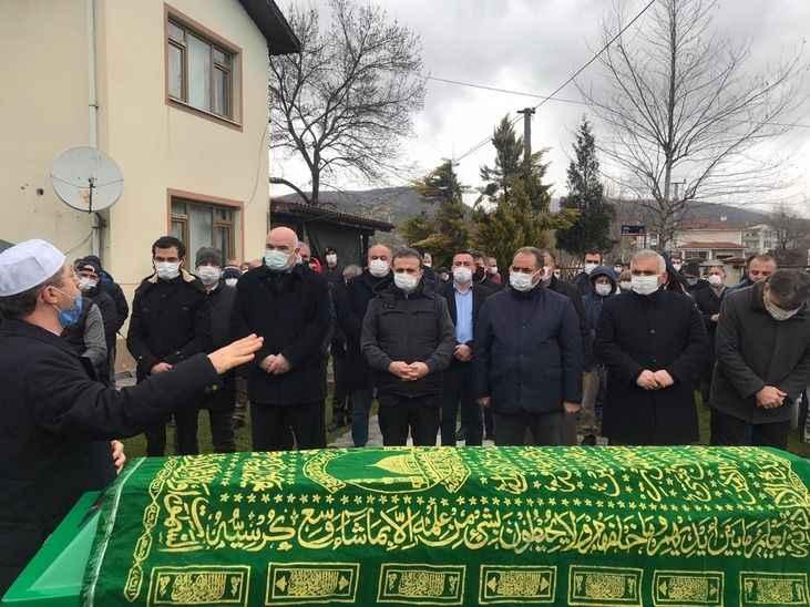 Osman Yıldız babasını toprağa verdi