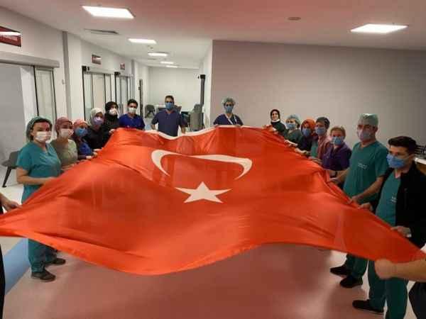 Pandemi kahramanları, Çanakkale kahramanlarını andı