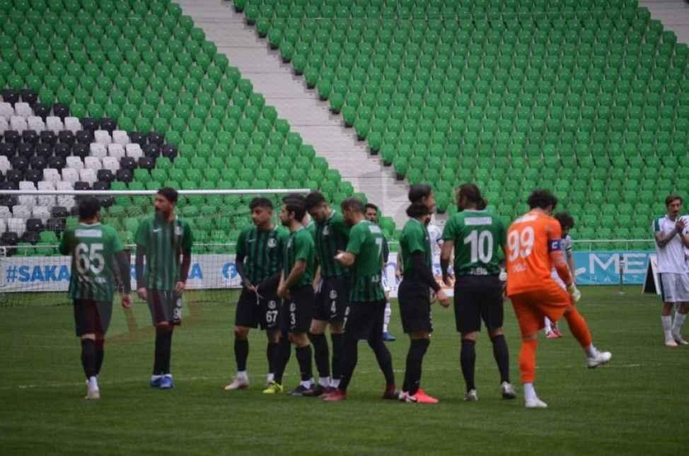 Sakaryaspor son dakikada yıkıldı! 1-1