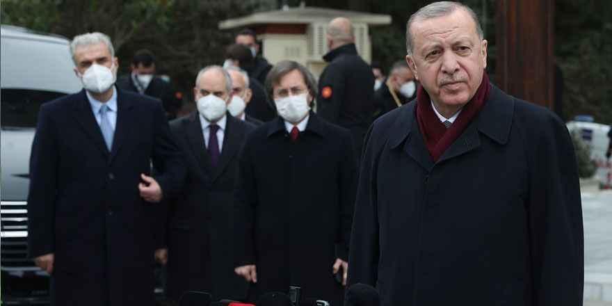 Soruyu duyamayan Erdoğan, gazeteciden maskesini çıkarmasını istedi!