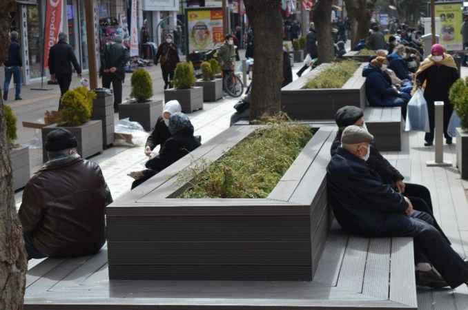 Eskişehir'de 65 yaş ve üzeri vatandaşlar için yeni kısıtlamalar getirildi
