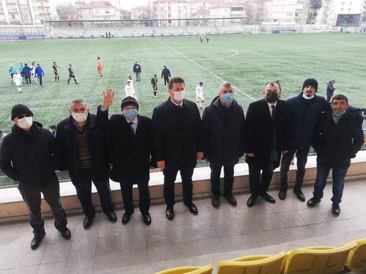 Başkanlar Mamak FK maçını tribünde izledi