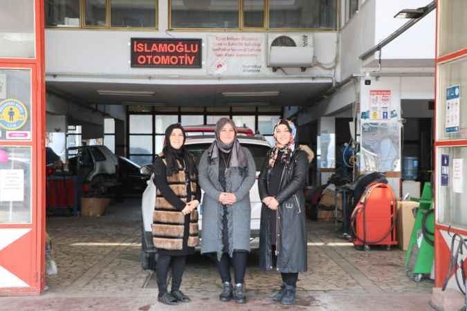 Babaları rahatsızlanınca otomobil tamir servisini 3 kız kardeş işletiyor