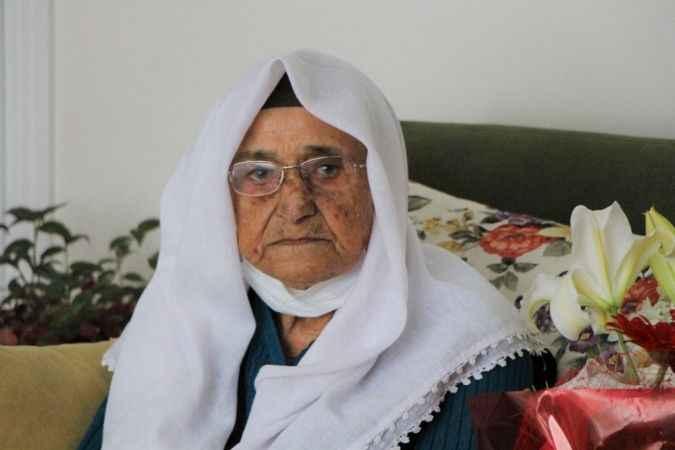 Korona virüs 119 yaşındaki 'Şeker nine'yi teğet geçti