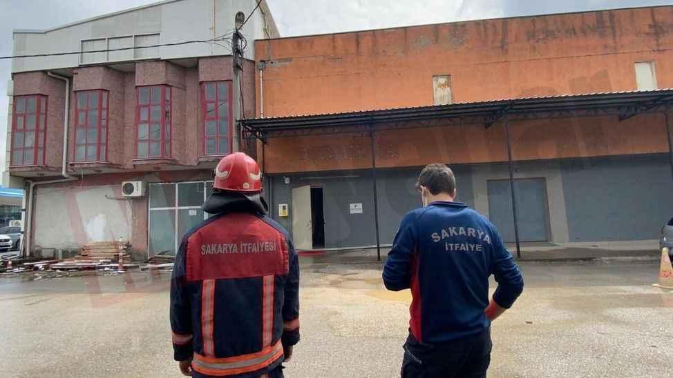 Elektrik direğinde çıkan yangın paniğe neden oldu!
