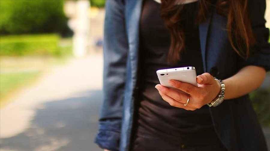 Avukatların borçlunun yakınına SMS atması yasal değil