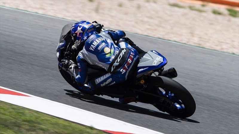 Bahattin Sofuoğlu Dünya Supersport300 resmi testlerinde en hızlı turu attı