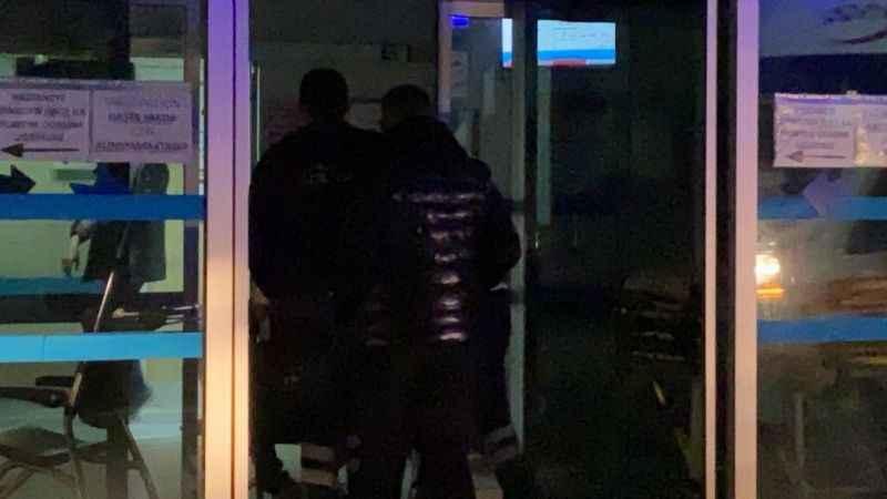 Karaağaçdibi'nde iki grup tekme tokat kavga etti: 2 yaralı