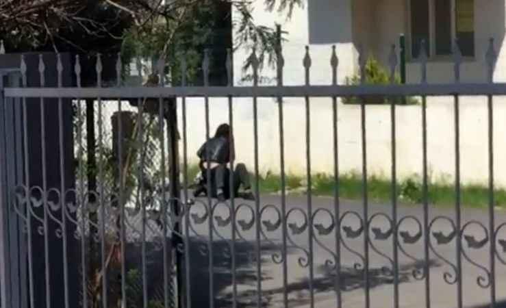Antalya'da Yere yatırdığı erkeği 'Paramı ver' diye bağırıp darbetti