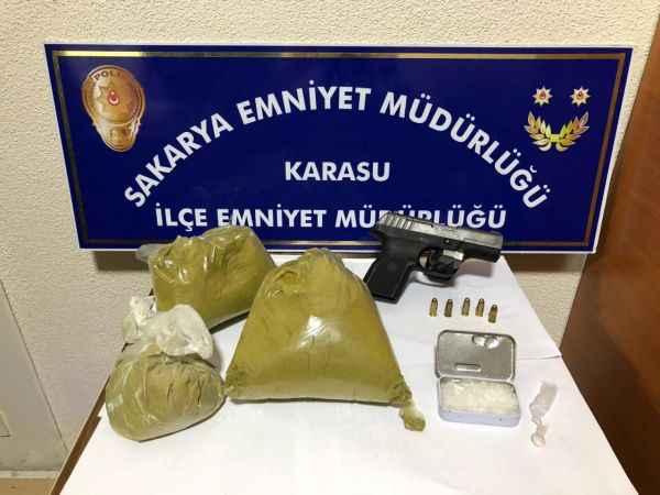 Sakarya'da uyuşturucu operasyonunda gözaltına alınan 2 şüpheli tutuklandı