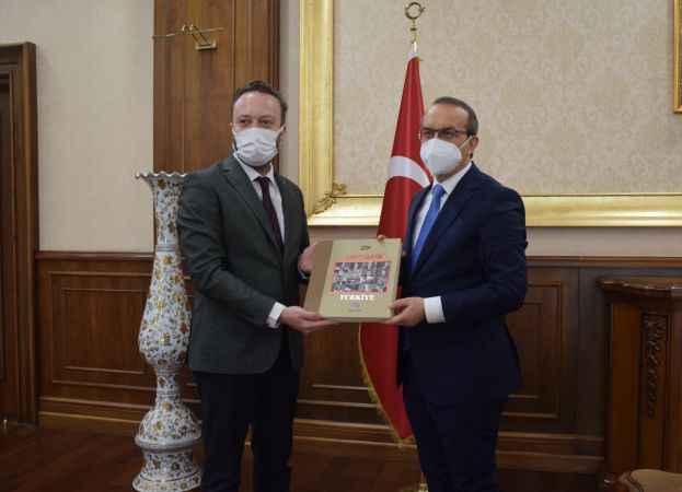AA Sakarya Bölge Müdürü Velioğlu'ndan, Kocaeli Valisi Yavuz'a ziyaret