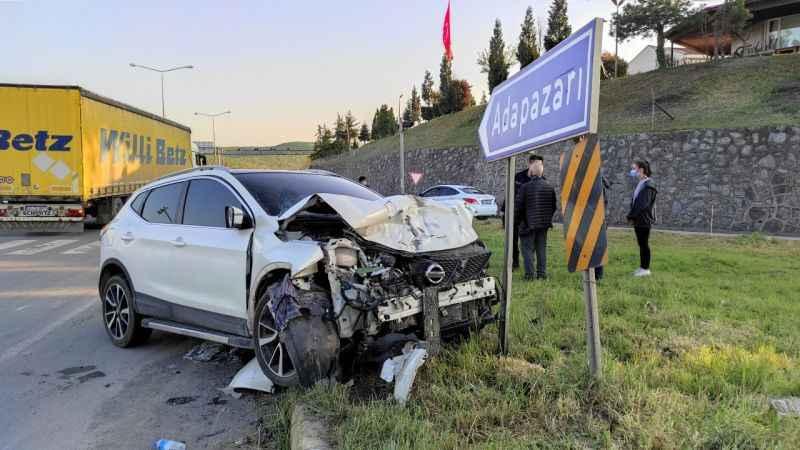 Sakarya iki otomobilin çarpışması sonucu 1 kişi öldü, 3 kişi yaralandı