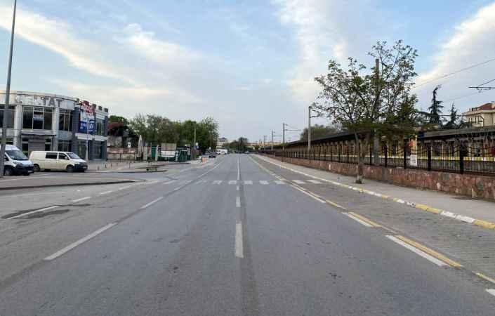 """Doğu Marmara ve Batı Karadeniz'de """"tam kapanma""""nın başlamasıyla sokaklar boşaldı"""